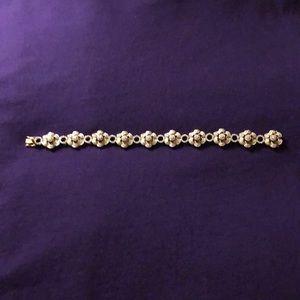 Beautiful diamond bracelet over 1 ct diamonds